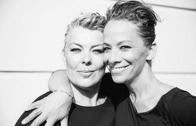 Bild - Lise och Gertrud sjunger Dahlgren