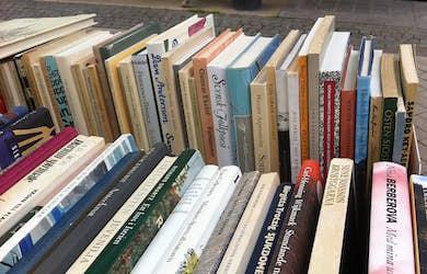 Bild - Bokfestivalens bokbord