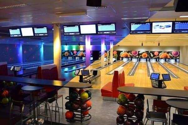 Bild - Bowling och restaurang med Vilans Fritidsgård