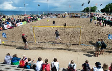 Bild - Åhus Beach Fotboll 2018