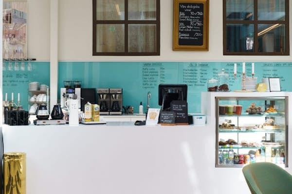 Bild - Kaffe, piano och novell