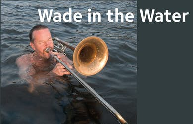 Bild - Wade in water