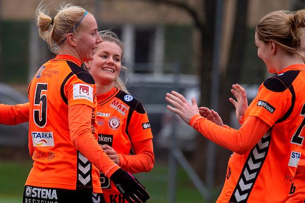 Bild - KDFF-IK Uppsala Fotboll